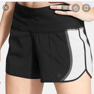 Athleta Acceleration High Rise shorts Large